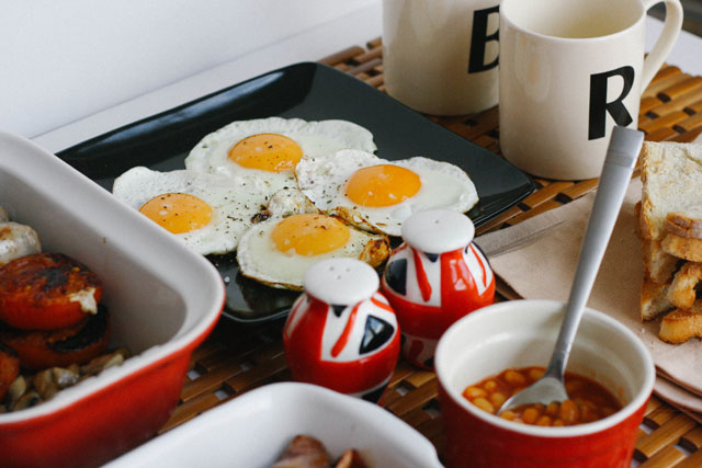 How to make a traditional English breakfast